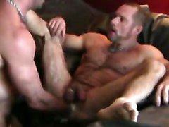 muscler fist sex(with sweet kiss)